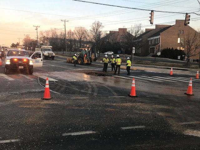 Fairfax Water said the water main would not be repaired before Wednesday's morning rush hour commute. (WTOP/Michael O'Connell)