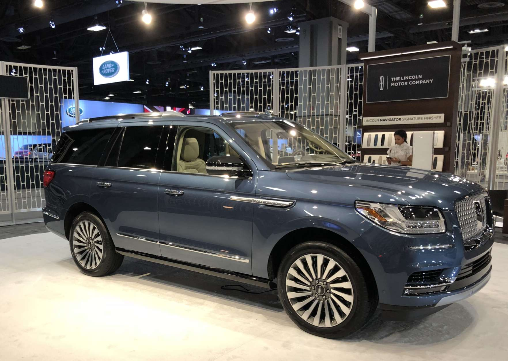Lincoln Navigator (Mike Parris)