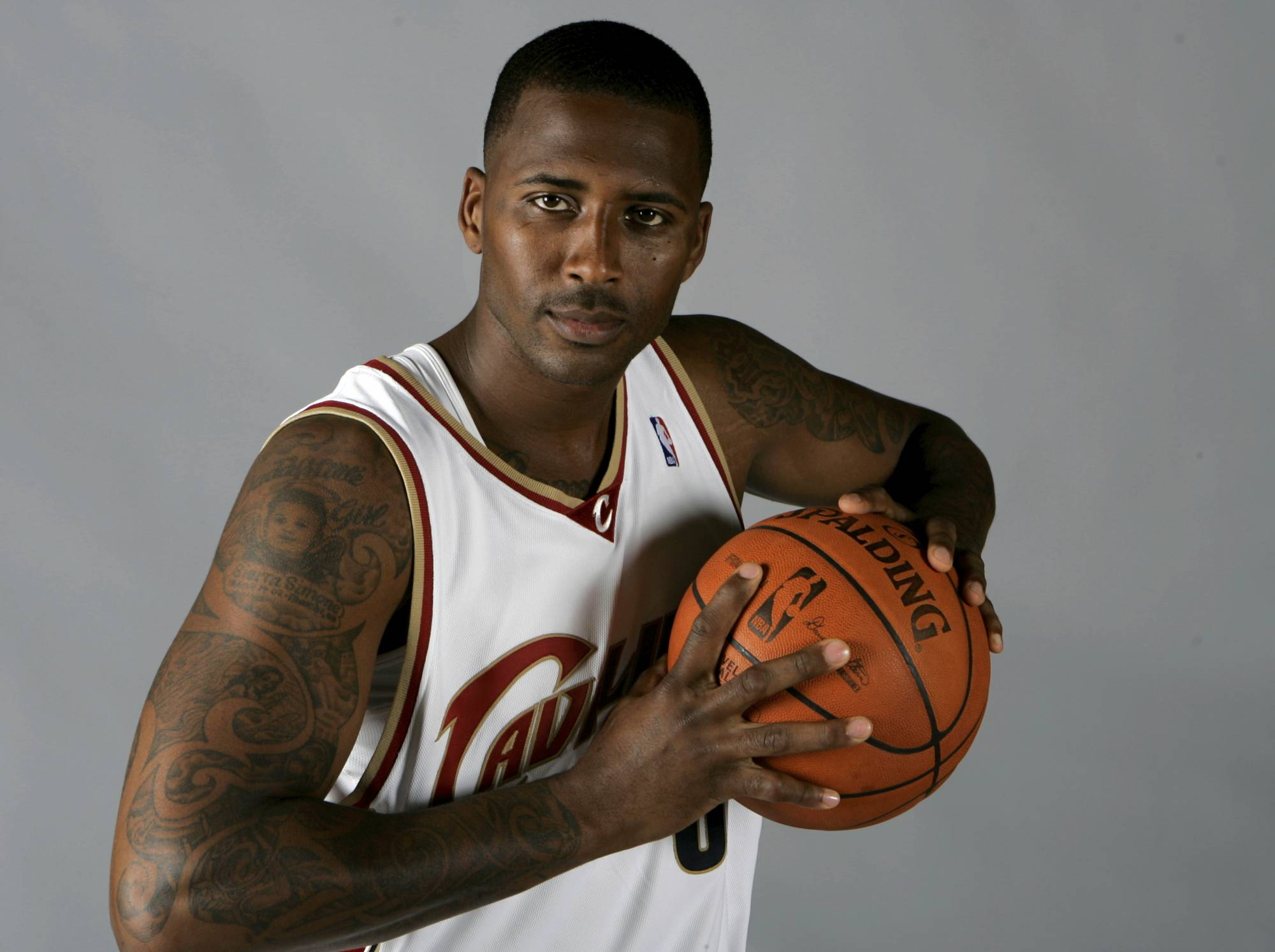 Ex-wife of slain NBA player agrees to face Tennessee charges