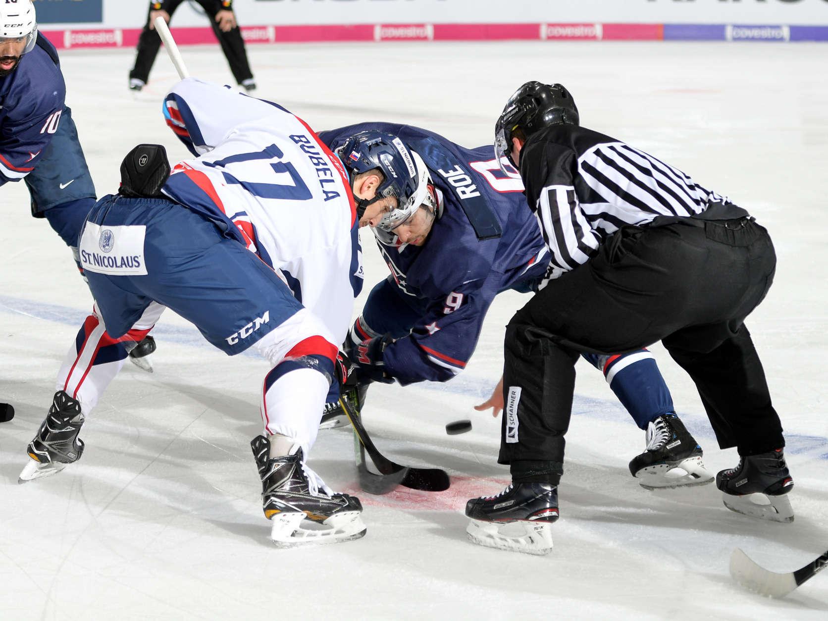 Garrett Roe of Team USA hockey on 10.11.2017 in Augsburg, Deutschland. (Photo courtesy Mathias Renner/City-Press GbR)