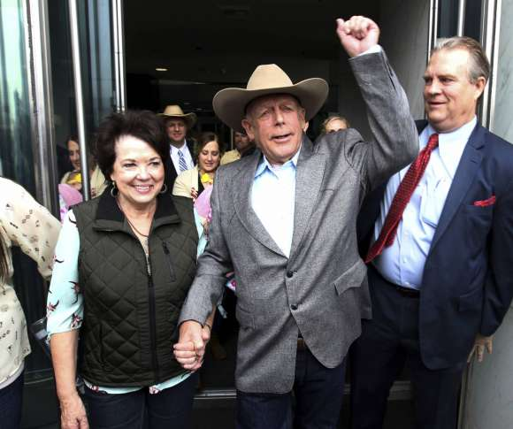 Judge dismisses standoff case vs. rancher Cliven Bundy, sons