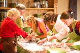 A look at one of the classes at Willowsford's farm-to-table culinary program. (Courtesy Willowsford)
