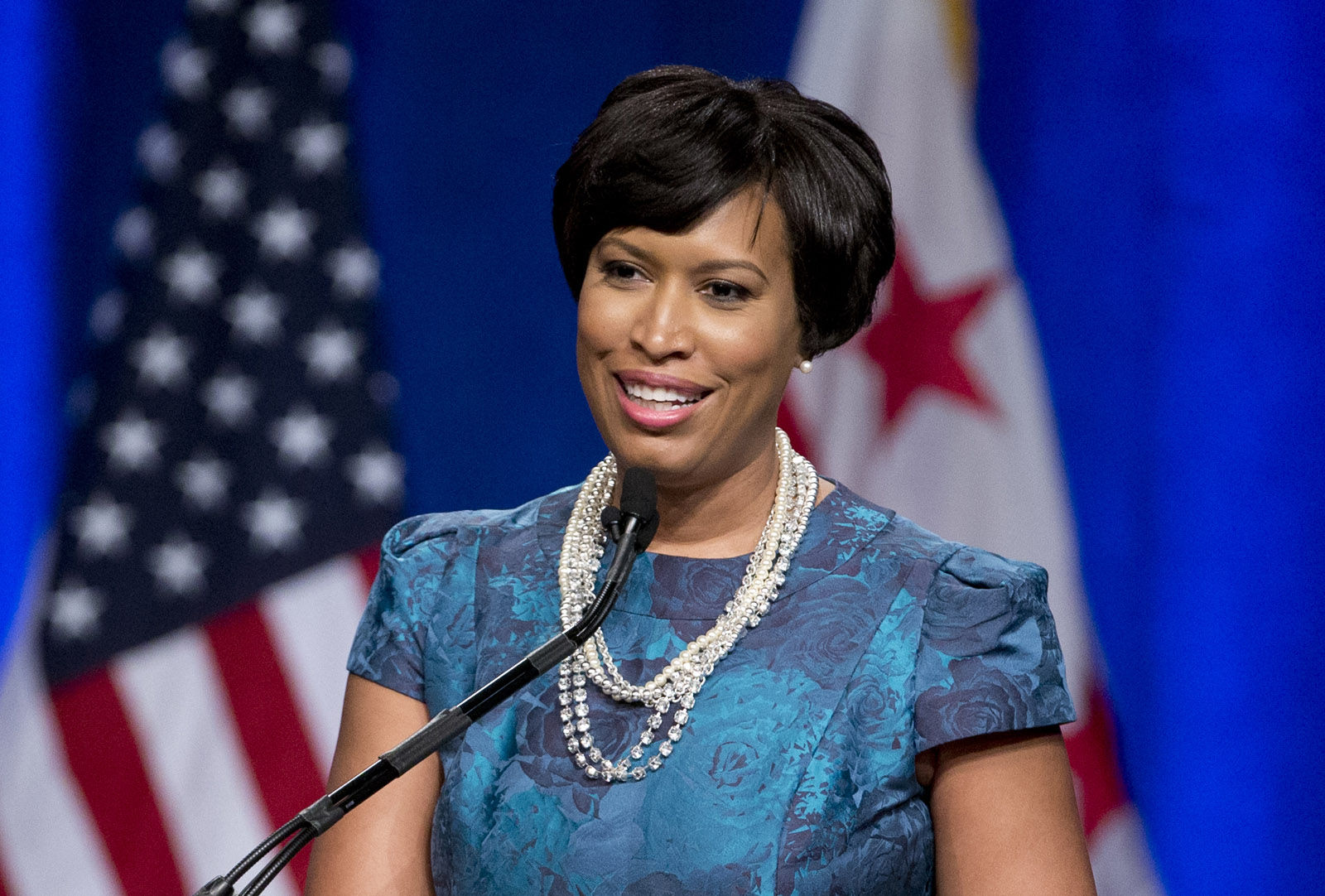 DC Mayor Muriel Bowser now a mom   WTOP