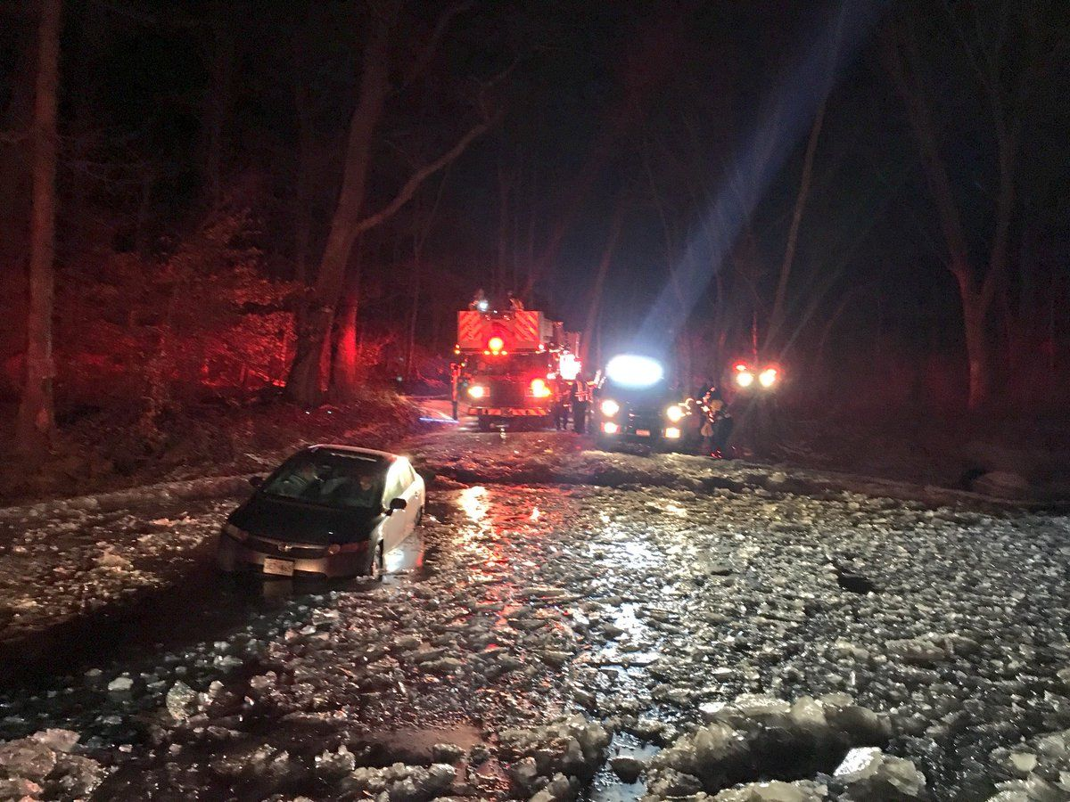 & 3 people rescued from car stuck in icy water in Boyds | WTOP