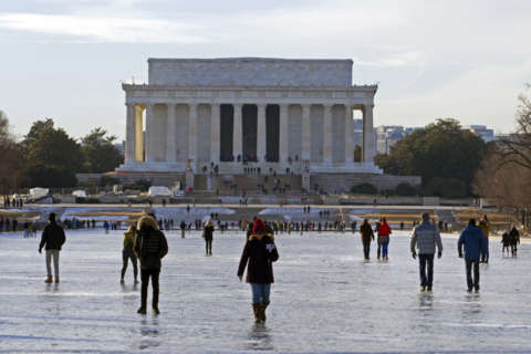 Lincoln Memorial to stay open during roof, marble repairs