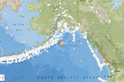 7.9 magnitude quake off Alaska coast
