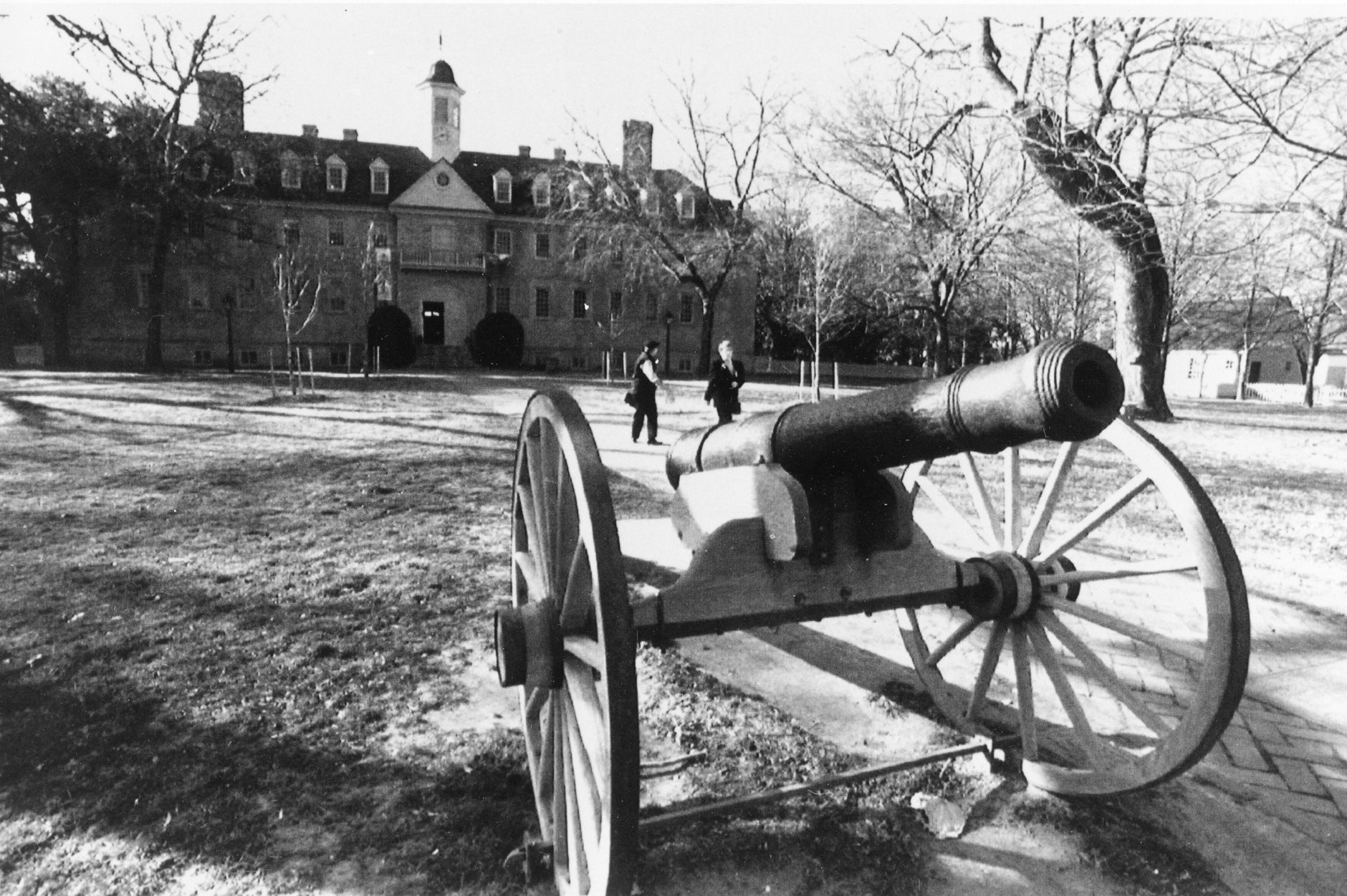 This is a general view of the Wren Building with a cannon in the front yard at the College of William and Mary in Williamsburg, Va., on Feb. 1, 1993.  The school is the nation's second oldest institution of higher education and is celebrating its 300th birthday with a royal visit.  (AP Photo/Steve Helber)