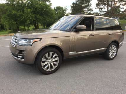 Upscale Range Rover HSE: Comfortably takes you anywhere, for a price