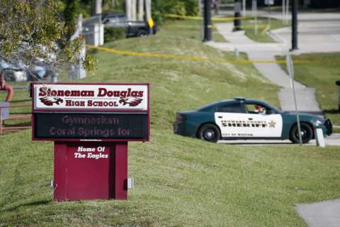 Florida launches investigation of police response to school shooting
