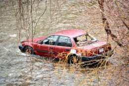 A photo of the man's car in Rock Creek. (WTOP/Dave Dildine)