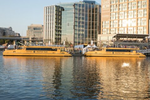 Alexandria water taxi to expand its hours for morning commuters