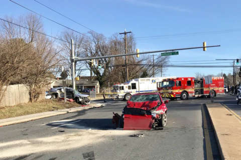 4 people taken to the hospital in crash on Georgia Ave. in Montgomery Co.