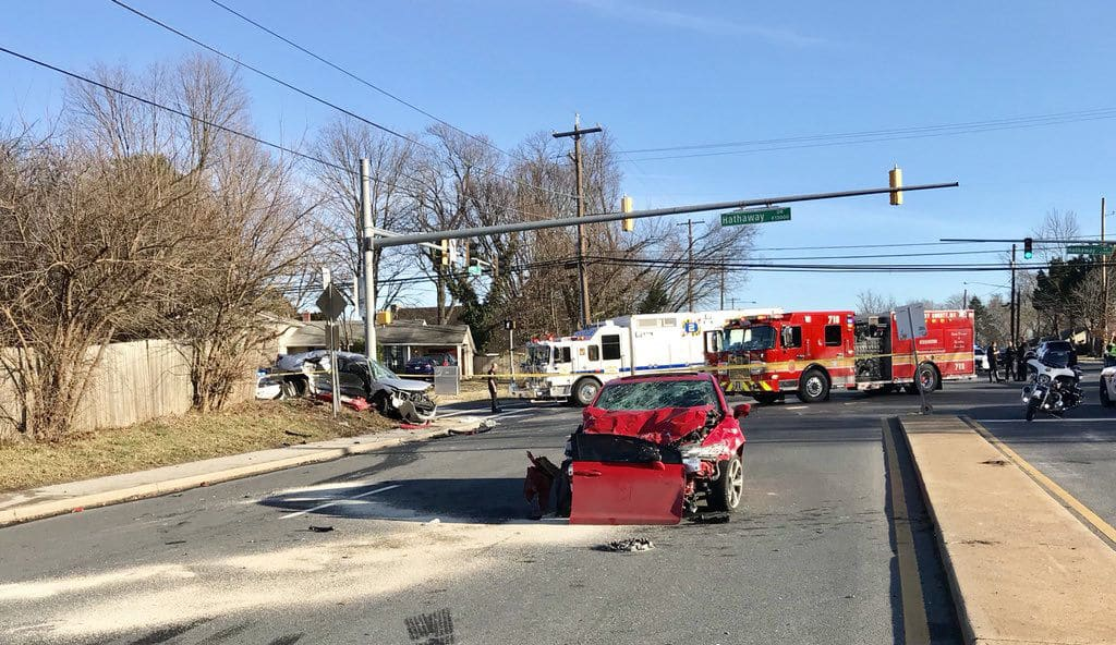 4 people taken to the hospital in crash on Georgia Ave  in