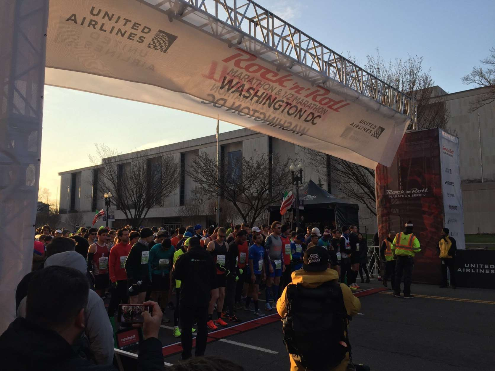 Runners gather at the starting line for the 2018 Rock 'n' Roll marathon in Washington. (WTOP/John Domen)