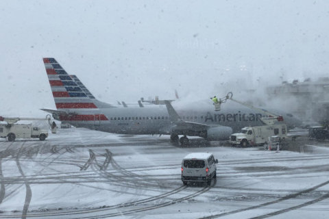 Wicked weather cancels hundreds of flights in DC region