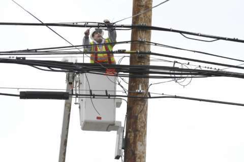 Snowstorm's aftermath: Power outages throughout Virginia