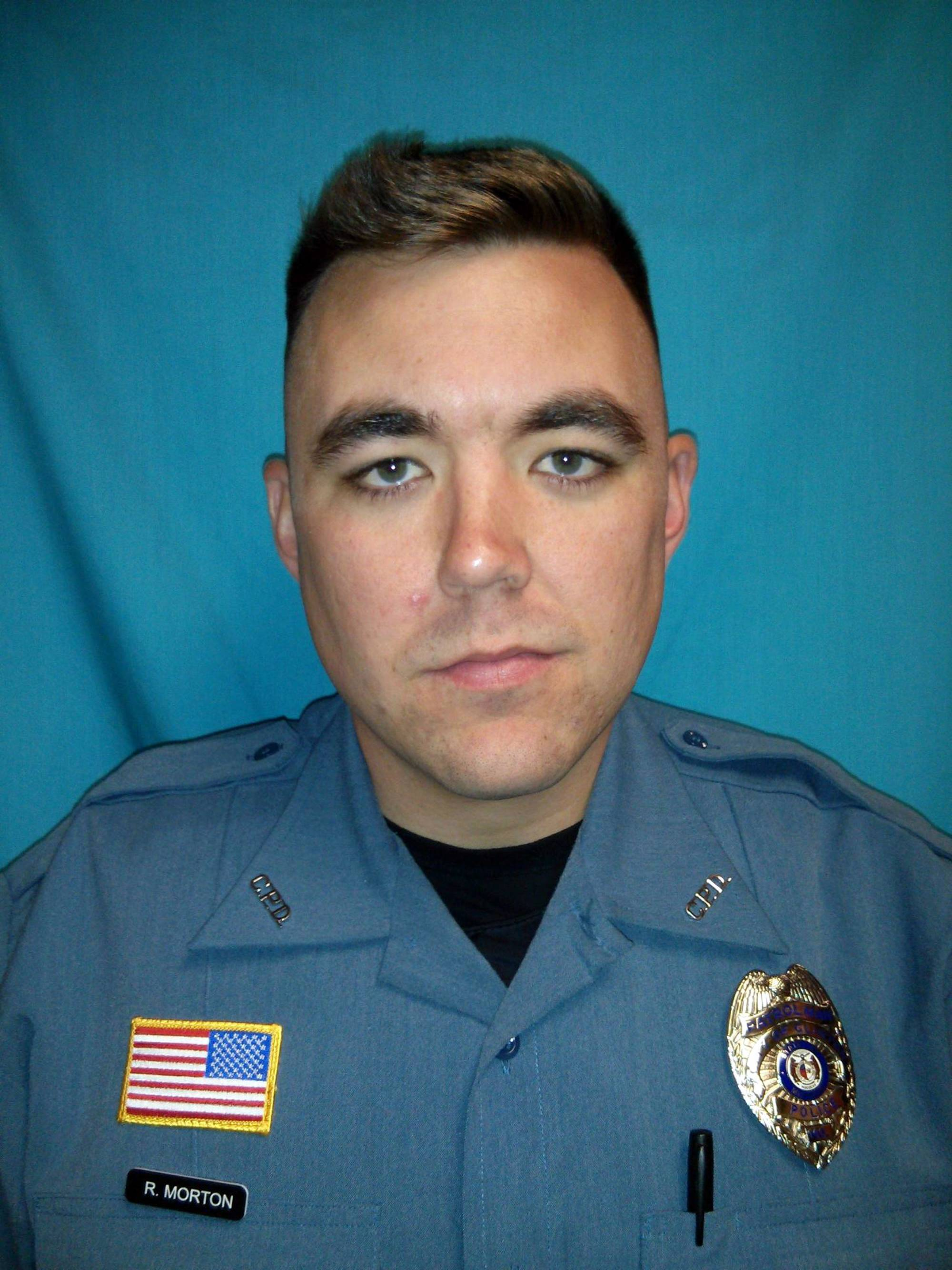 Missouri officer killed, 2 wounded responding to 911 call