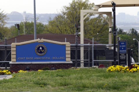 Man arrested in sending suspicious packages to DC-area government sites