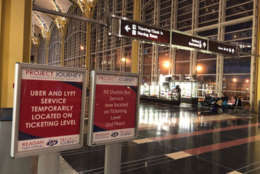 sign at aiport