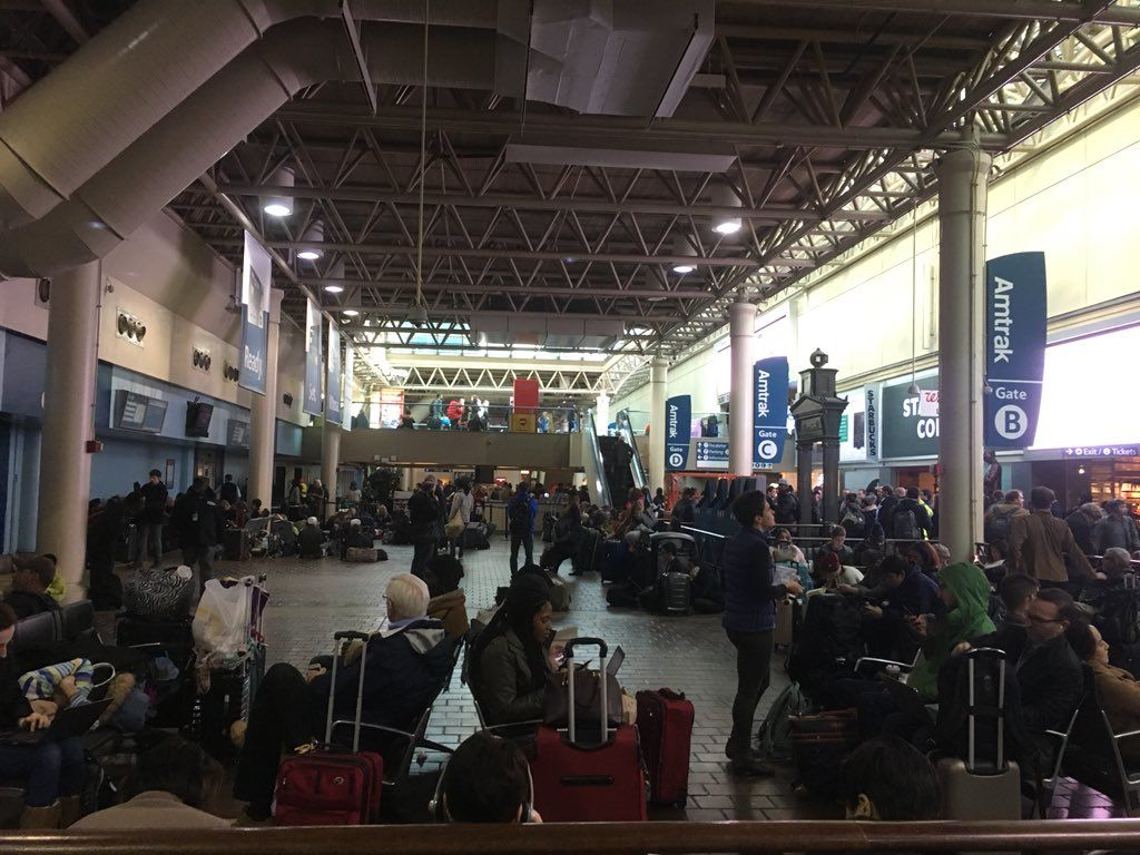 D.C.'s Union Station is packed with stranded travelers. (WTOP/Mike Murillo)