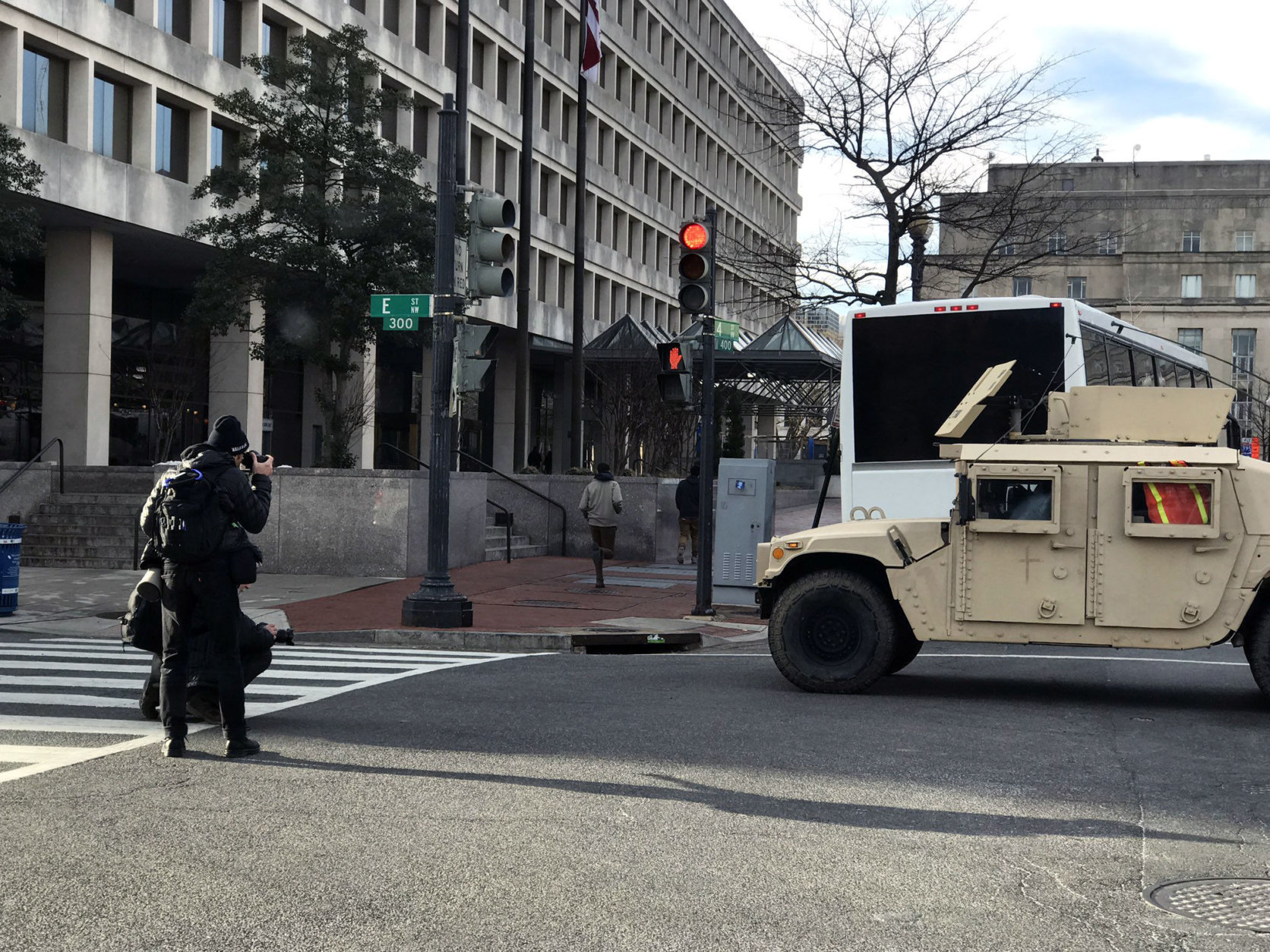 Security and closures in place at the march. (WTOP/Steve Dresner)