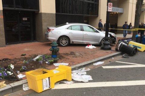 Car crashes onto DC sidewalk; 4 pedestrians injured
