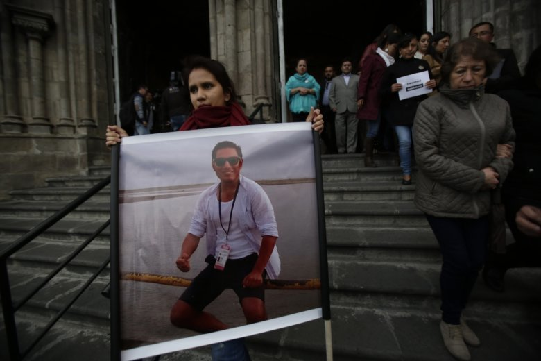 Ecuadorean Journalists Killed by Rebels Near Colombia Border