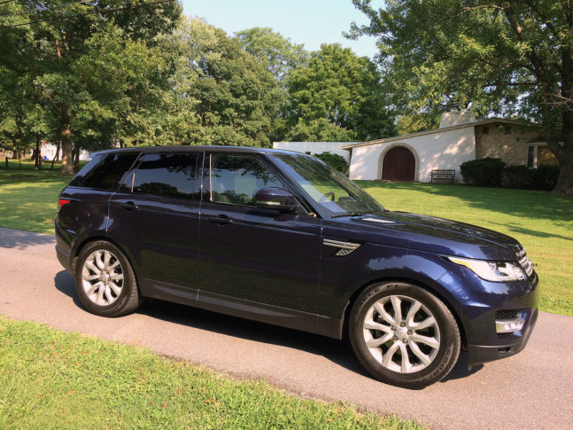 If You Re Looking For The Fuel Efficient Version Of Luxurious Range Rover Sport Don T Take A Test Drive In Supercharged V 8