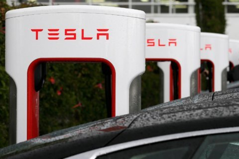 Tesla to put car chargers in Virginia state park