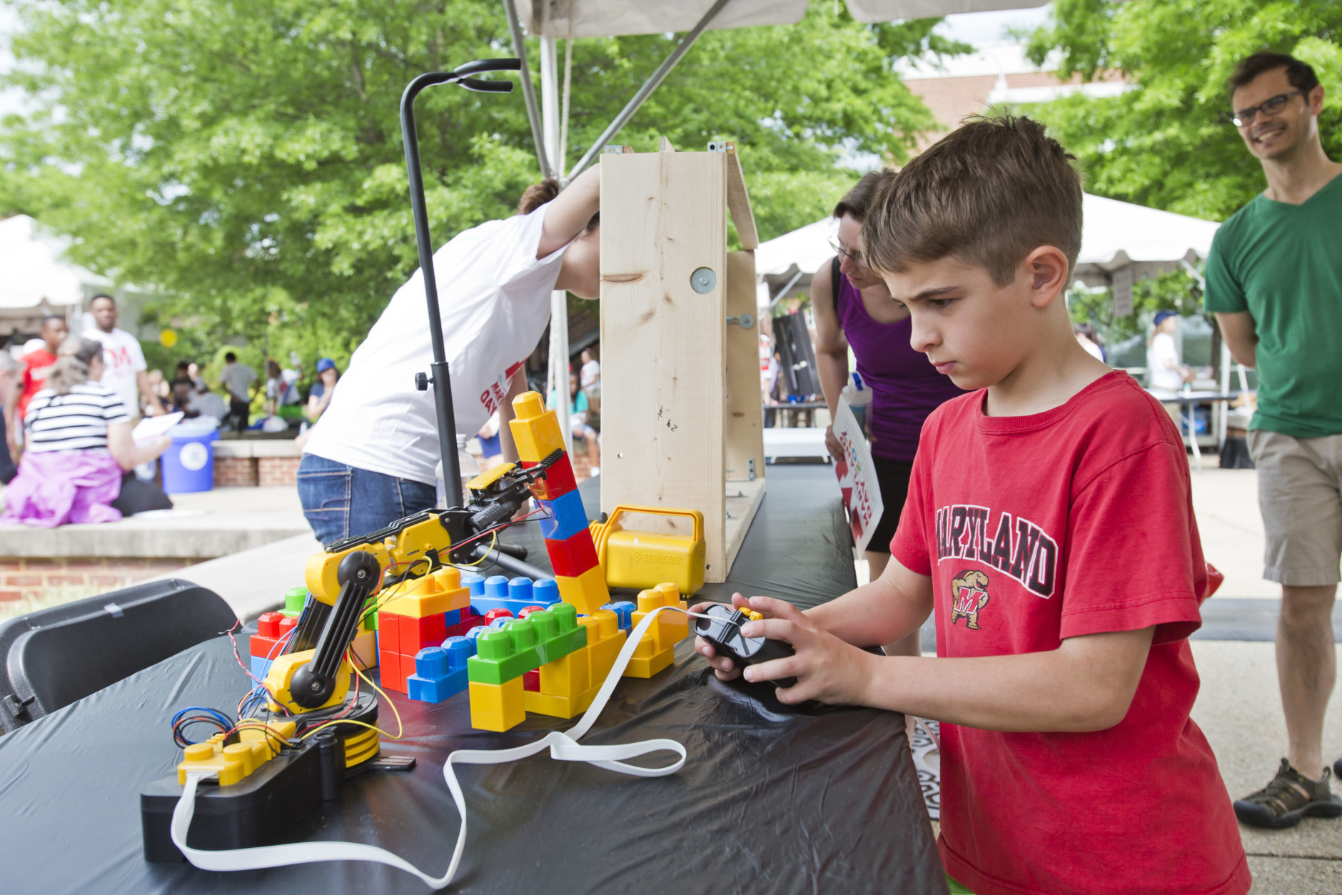 You can learn how to program LEGO Mindstorm robots with middle school students in UMD's CompSciConnect program in Science & Tech Way. (Courtesy University of Maryland)