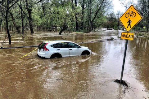 Marooned motorists, transport woes after morning floods in DC area