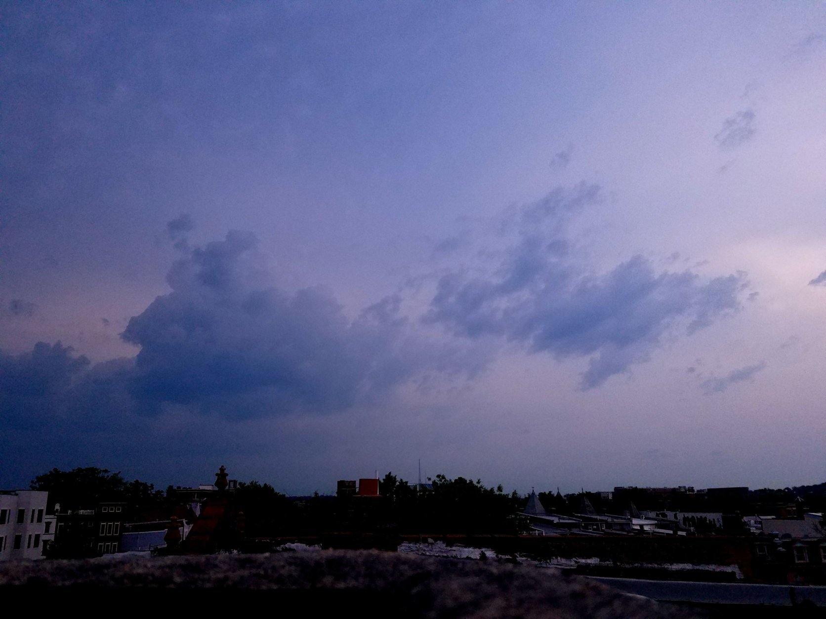 Storm clouds threaten the District. (WTOP/Will Vitka)