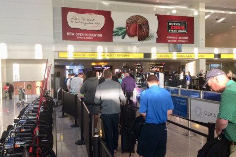 TSA: Expect huge crowds at airports Friday
