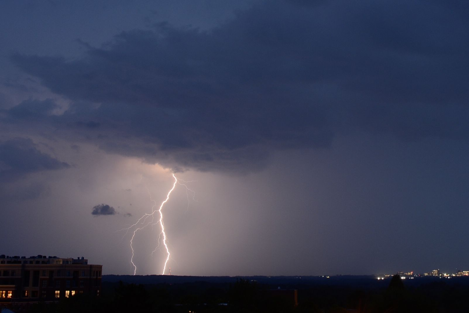 Lightning strikes in Northwest D.C. during severe storms on Tuesday, May 15, 2018. (WTOP/Dave Dildine)