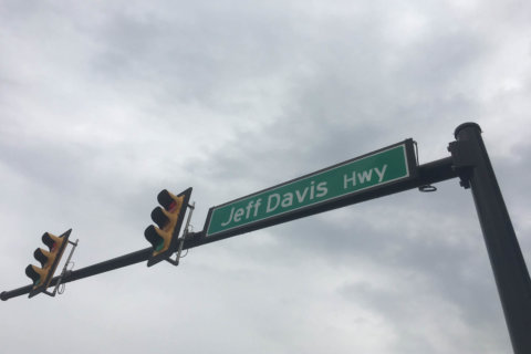 Jefferson Davis Highway name changed in Arlington