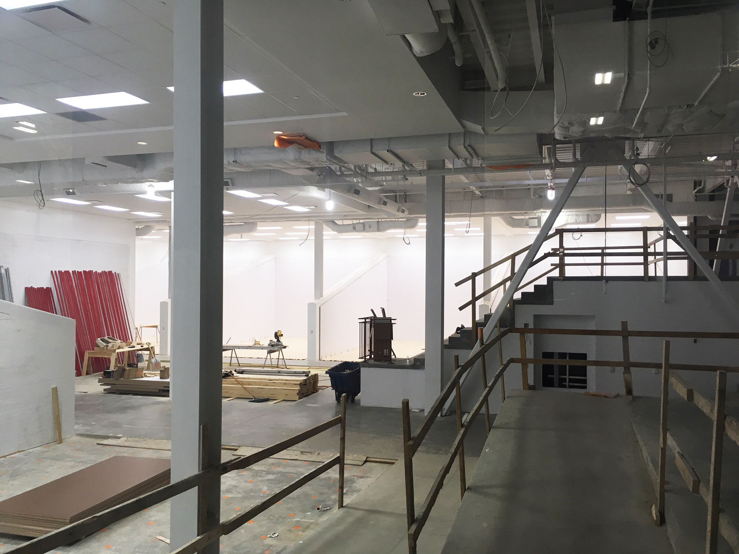 Other amenities include a gymnastics pit, a rock climbing wall, batting cages, golf simulators, virtual reality rooms, and a number of squash courts, pictured here. (WTOP/Noah Frank)