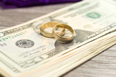 Alimony checks increasingly coming from women