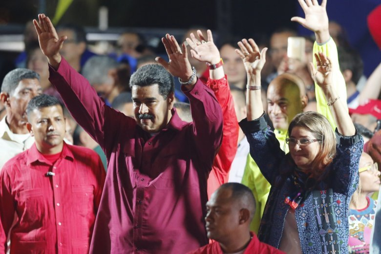 Venezuela expels U.S.  diplomats, rejects sanctions