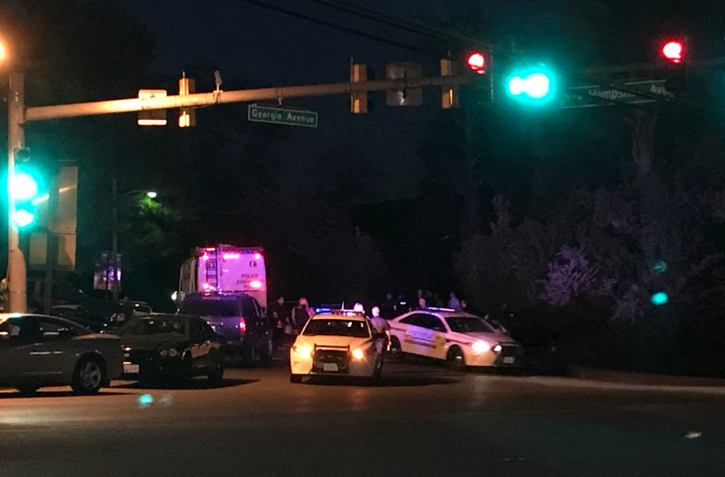 As night falls, there is still very little information about what happened here in Brookeville and who police are looking for. (WTOP/Michelle Basch)