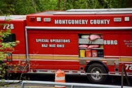 Cabin John Parkway is closed as hazmat crews work on cleaning the spill.(WTOP/Dave Dildine)