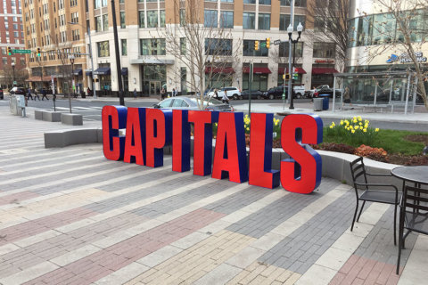Rosslyn to host outdoor Capitals watch party Friday