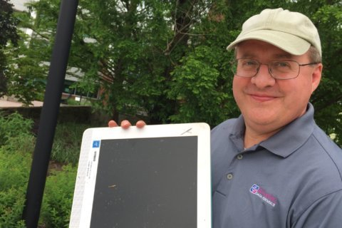 Local business owner helps Ellicott City flood victims recover computer data