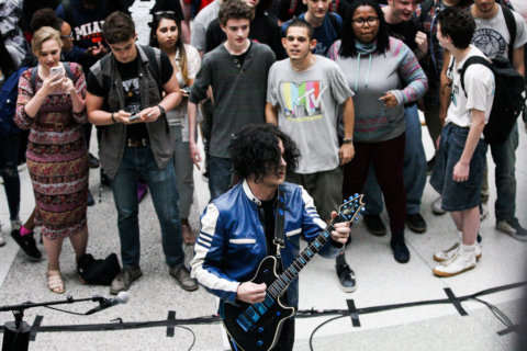 Rock for lunch: Jack White surprises DC students with pop-up show