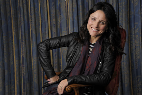Julia Louis-Dreyfus to receive Kennedy Center's Mark Twain Prize for Humor