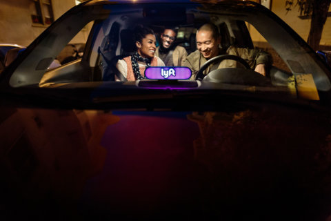 DC Lyft drivers ditch window stickers for light bars
