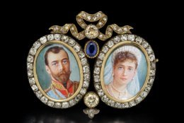 Brooch with Miniatures of Nicholas II and Alexandra, Fabergé, St. Petersburg, 1899-1903. Hillwood Estate, Museum & Gardens, acc. no. 11.241. Photographed by Alex Braun.