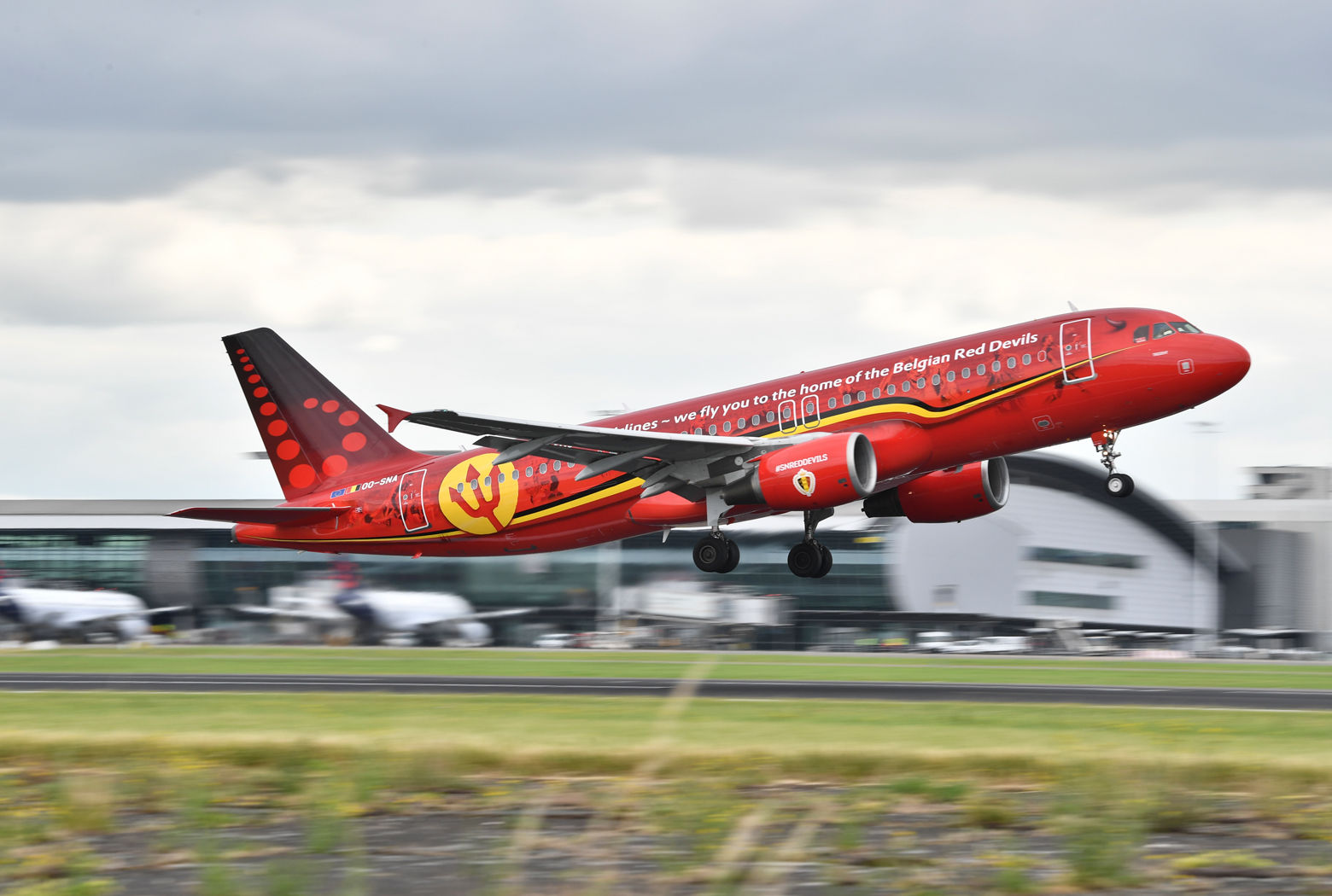 The plane carrying the Belgian national soccer team departures in Brussels, Wednesday, June 13, 2018. The Belgian national team departed to Russia on Wednesday to participate in the World Cup soccer. (AP Photo/Geert Vanden Wijngaert)