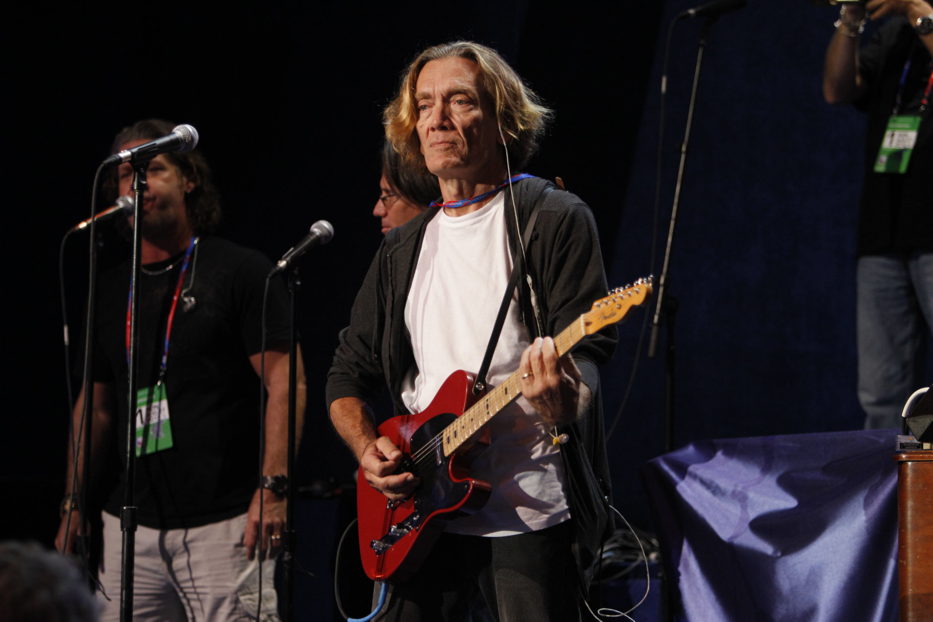 Guitarist G.E. Smith rehearses at the Republican National Convention inside of the Tampa Bay Times Forum in Tampa, Fla., on Sunday, Aug. 26, 2012. (AP Photo/Lynne Sladky)