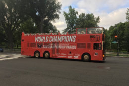 The buses that will be carrying the Capitals and other people in the parade start to get in position. (WTOP/Mike Murillo)