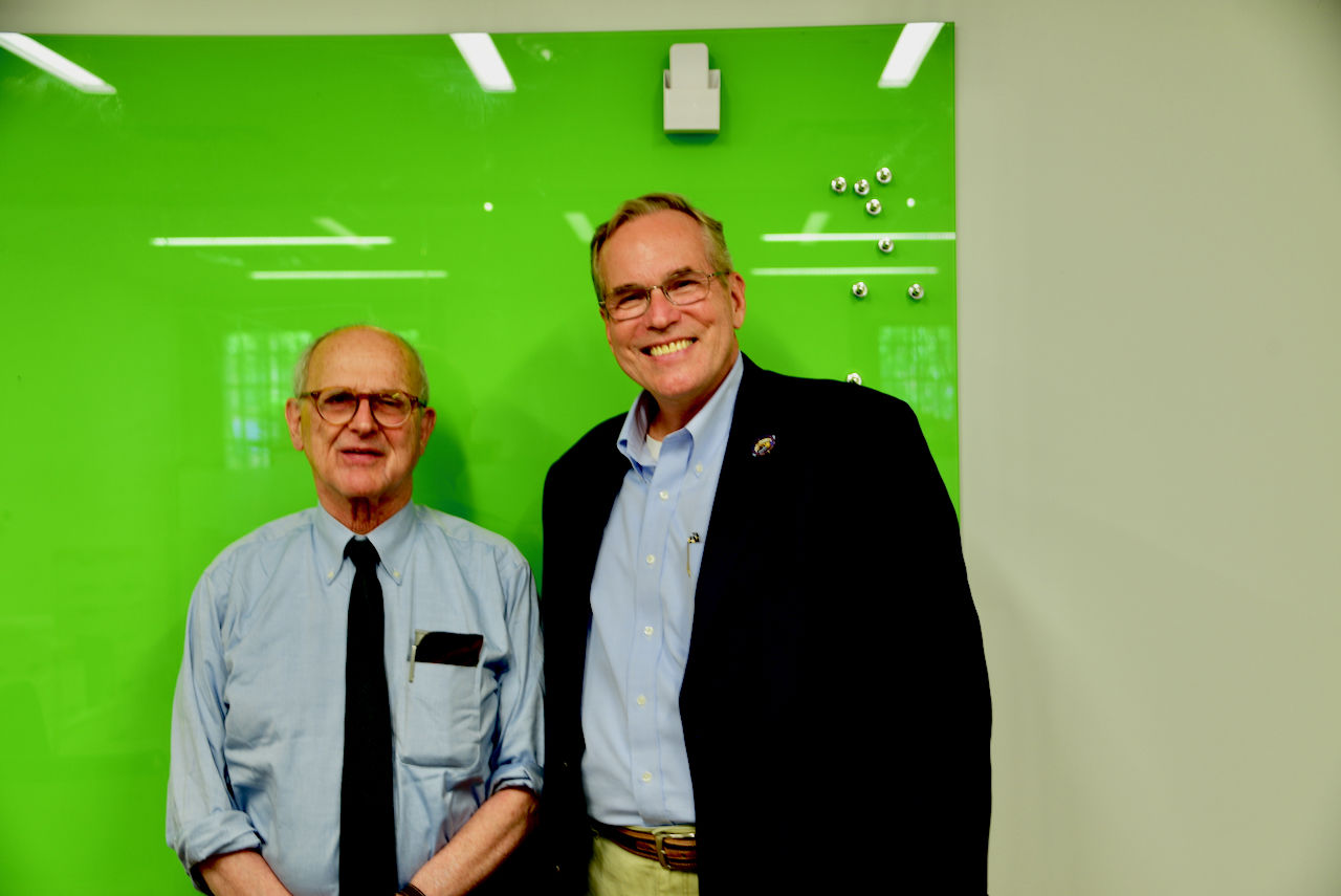 Greg Redfern meets Nobel Prize Laureate, Dr. Rainer Weiss, MIT. (Courtesy Greg Redfern)